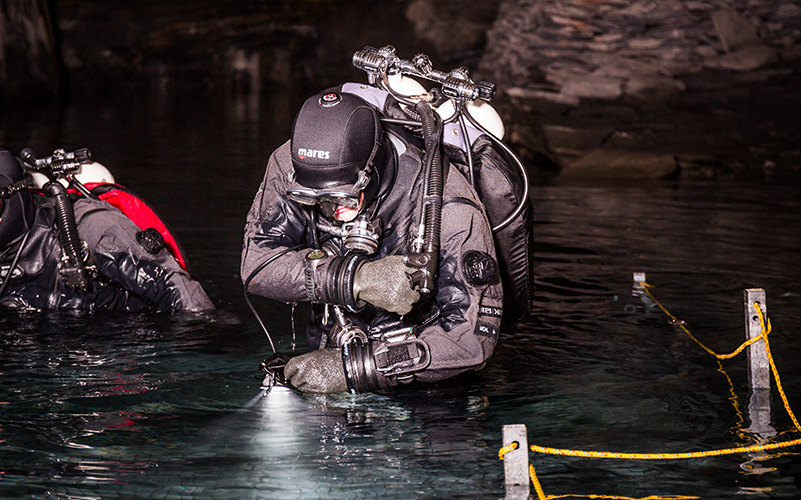 mares-tech-diving-dry-13-D